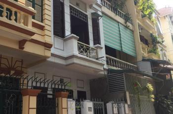 Chính chủ cần cho thuê nhà riêng 3 tầng gần đường Nguyễn Phong Sắc, LH: 0982 553 975