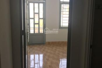 Cho thuê nhà nguyên căn hẻm thông DT 4x11,5m, 1 lầu