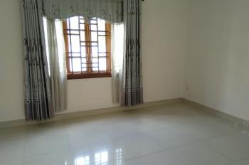 Chính chủ bán nhà 2 lầu 1 trệt, 2pn, 3 toilet, sổ hồng riêng đã hoàn công. LH: 0909476890