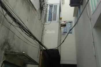 Bán gấp nhà ngay trung tâm Quận 1, LH 0772288008