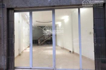Cho thuê cửa hàng mặt phố Hàng Da vị trí đẹp, DT 35m2, MT 6.4m, giá 35tr/th. LH e Hiếu 0974739378