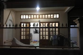 cần bán căn nhà cấp 4 tại đường Lê Văn Việt - Quận 9,dt 80,5m2,bán người có thiện chí.miễn môi giới