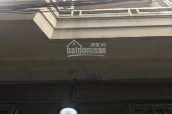 Bán nhà 2 tầng kiệt Nguyễn Chí Thanh cách đường 30m