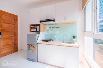 Cho thuê căn hộ dịch vụ đầy đủ nội thất cao cấp, ngay trung tâm, hẻm xe hơi. LH: 0902708218