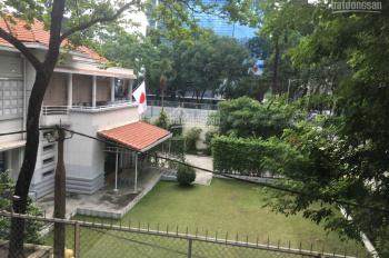 Cho thuê căn hộ 1 phòng ngủ Quận 3 gần trường Đại Học Kinh Tế, 45m2, nội thất đầy đủ giá 13 tr/th