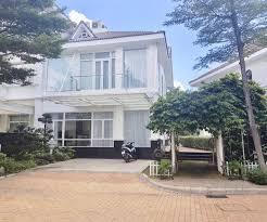 Villa mặt tiền Nguyễn Văn Hưởng, phố Thảo Điền Quận 2, DT 21x18m 4 lầu giá 74 tỷ. LH: 0965863596
