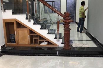 Chính chủ cho thuê nhà mới xây đường 28, Phường Tân Phong, Quận 7 giá 25 triệu/tháng. LH 0906306830
