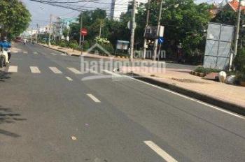 Cần bán nhà mặt tiền đường Hiền Vương, Tân Phú, DT: 3.5 x 19m, cấp 4, giá 6.5 tỷ