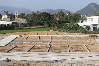 Chính chủ cần bán đất Vĩnh Trung, Nha Trang giá rẻ. Đất thổ cư 100%, sổ hồng riêng. Lh 0869193132