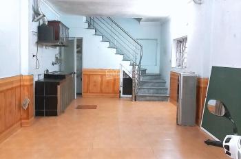 Cho thuê nhà 3 tầng, 4 PN, MT 3,6m, cạnh HV Tài Chính