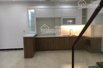 CC bán nhà xây mới 318 Đê La Thành thông phố Hào Nam, 35m2 x 5T MT 4m 2 mặt thoáng ngõ thông 3.7 tỷ