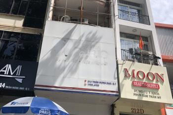 Chính chủ cho thuê gấp nhà MT 212 Trần Hưng Đạo, Quận 1 (DT: 4,2x16m, trệt, 4 lầu) giá: 85 tr/th