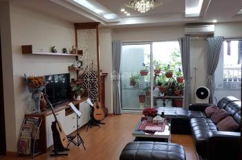 Bán nhà phố Hoàng Quốc Việt tặng nội thất xịn, DT 108m2, giá 32 tr/m2. Liên hệ 0948202669