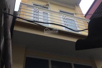 Cho thuê nhà 2 tầng, 1 tum giá 2.5tr/th