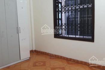 Nhà ở, giá 6,5tr, 3,5 tầng, 4PN Lò Đúc