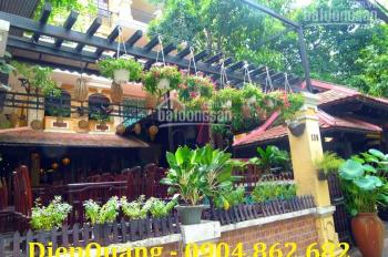 Bán nhà mặt tiền đường Trương Định, P. 9, Quận 3. DT: 28x40m