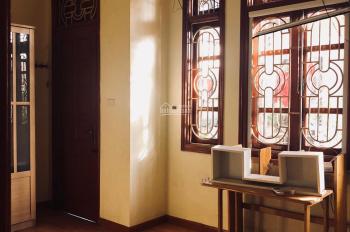 Cho thuê nhà ngõ phố Tân Mai DT 35m2 x 3,5 tầng, giá 6 triệu/th