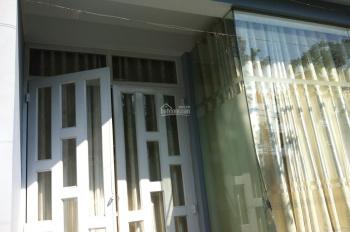 Chủ bán nhà diện tích 5.3x8m, Bình Chánh 2 mặt tiền, đường Phạm Hùng, giá: 2,7 tỷ, TL