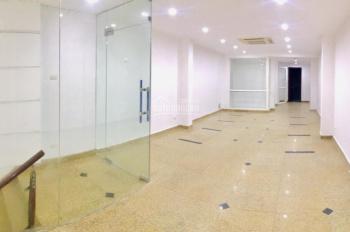 Cửa hàng cho thuê phố Bà Triệu, 65m2, 35 tr/th, tại 201 Bà Triệu, ô tô đỗ cửa, hầm để xe