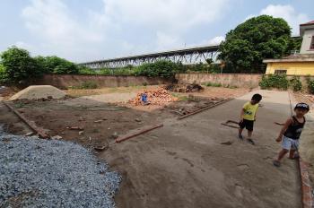 Bán 42m2 đất ở lâu dài tại đầu thôn Chài, Võng La, giá 13.5 tr/m2
