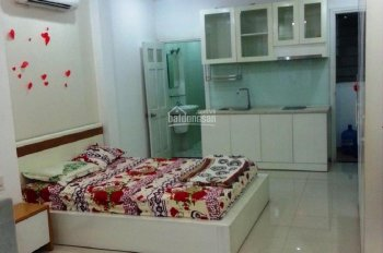 Phòng 20m2, tiện nghi đầy đủ đường CMT8, Q10 giá chỉ 4,5tr/tháng. LH: 0703534671
