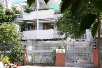 Cần bán căn biệt thự Bình Đăng, P. 6, Q. 8, gần bến xe, TTHC, DT 170,2m2, 13.5 tỷ. LH 0902561411