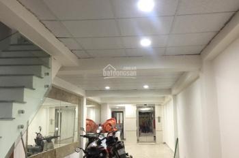 Cho thuê nhà mặt phố Nguyễn Phong Sắc, Cầu Giấy 55m2 x 4 tầng vị trí kinh doanh tốt giá 45 triệu/th
