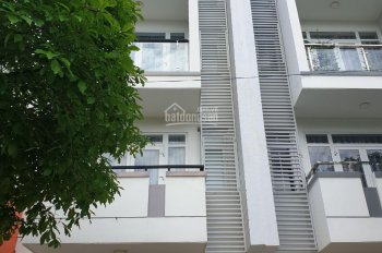 Cho thuê nhà nguyên căn làm công ty 1 trệt 3 lầu, diện tích sàn 400m2