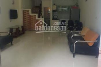 Cho thuê nhà đẹp khu vực phố Bồ Đề - Long Biên - ô tô vào nhà tận nhà - gần bệnh viện Tâm Anh