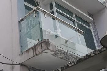 Bán nhà 4,3x14m, 1 lầu, 2PN, hẻm 5m đường Bùi Minh Trực, P.5, Q.8, lh 0938722995