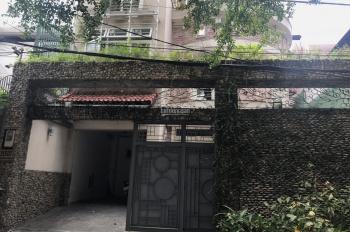 Chính chủ cần bán biệt thự, 1 trệt, 2 lầu, 5PN, có hồ bơi tại đường 215D7 Nguyễn Văn Hưởng, Quận 2