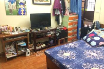 Bán nhà đất chính chủ, ngõ 127 Văn Cao, Liễu Giai, Ba Đình, ô tô đỗ cửa, DT 52m2, giá 98tr/m2