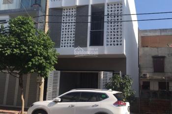 Cần cho thuê nhà phố nguyên căn mới xây, đẹp, nội thất đầy đủ, liên hệ chủ 0983752451