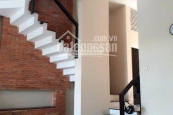 Bán nhà 1 trệt + 3 lầu, DT: 102.7m2 mặt tiền đường D1, P. Hiệp Phú, Q9, giá 7.5 tỷ