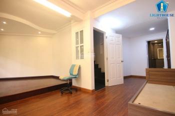 Nguyên căn HXH Cửu Long, P2 nhà có NT mới 100%, lát sàn gỗ đẹp, 4 phòng ngủ