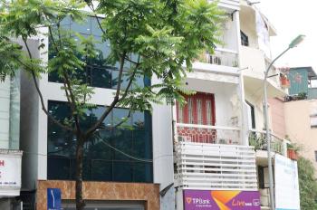 Chính chủ cho thuê nhà mặt phố Nguyễn Thái Học mới xây mới tinh 4 tầng 1 tum. DT 60m2/sàn
