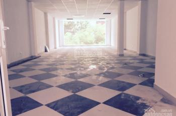 Cho thuê nhà mặt phố Bà Triệu: 150m2 x 3T, thông sàn, hè rộng, MT 7m, giá 135 tr/th. 0906216061