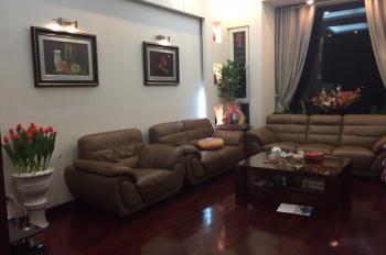Chính chủ cần bán nhà 4 tầng 1 tum tại ngõ phố Bồ Đề, Long Biên, thiết kế đẹp. LHCC: 0912146176