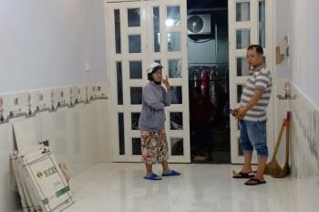 Bán nhà 1 trệt 1 lầu tại đường Phú Định, P.16, Q.8, giá chỉ 2,15 tỉ, hẻm xe hơi