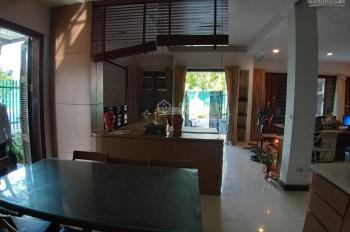 Cho thuê biệt thự đồ xịn, 4 phòng ngủ khép kín, có gara ô tô, sau VNPT Bắc Ninh, 0913438588
