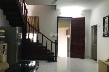 Cho thuê nhà cách mặt phố huế 10m, gần vimcom, 90m2, 3 phòng ngủ, LH 0913212146
