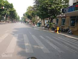 Bán gấp mặt phố Nguyễn Gia Thiều, 25.7 tỷ, 47m2 x 2T, KD sầm uất