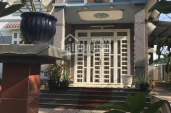 Cho thuê nhà sân vườn, phường Tương Bình Hiệp, nhánh đường Hồ Văn Cống, 500m2, giá 10tr/tháng