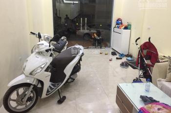 Nhà riêng ngõ phố Kim Đồng, Giáp Bát DT 55m2 x 4T, giá 16 tr/th
