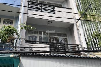 Nhà HXH Đinh Tiên Hoàng 4.5x14m 1 trệt 2 lầu 4PN 3WC. Giá 27tr/th