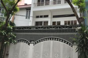 Cho thuê nhà nguyên căn 1 trệt 2 lầu. Tổng DT 360m2, gần sân bay Tân Sơn Nhất