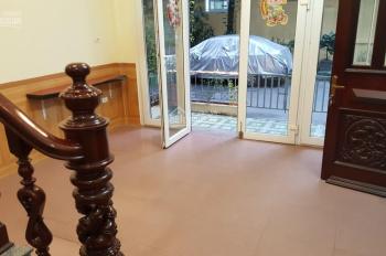 Cho thuê nhà riêng 5 phòng, 14tr/tháng ngõ rộng phố Lạc Trung