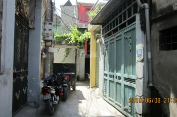 Cho thuê nhà DT: 23m2 x 3,5 tầng, ngõ 62 Lương Yên, giáp Lê Quý Đôn. Giá 6 triệu/tháng