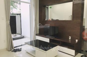 Cho thuê nhà đẹp khu Phạm Văn Đồng, 4 phòng ngủ hiện đại, giá 25 triệu/th-Toàn Huy Hoàng