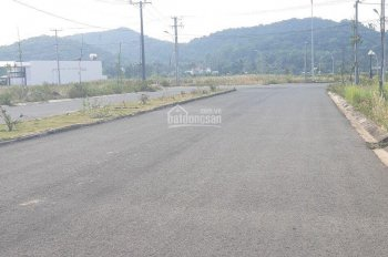 Đất nền sổ đỏ Hà Tiên, đường 30 m, giá 13,5 tr/m2 cách chợ đêm 300m, LH 0932185727